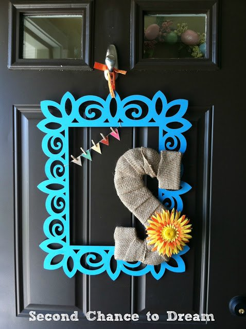 Second Chance to Dream: Spring Door Hangiing
