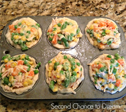 chicken+mixture+in+biscuits Mini Chicken Pot Pies  A Quick & Easy Dinner Idea