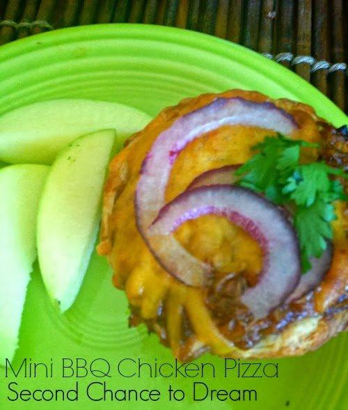 BBQ+Chicken+Pizza+71 Mini BBQ Chicken Pizza Recipe