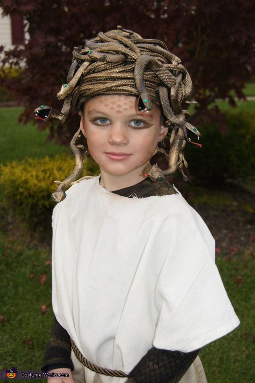 Medusa - Homemade costumes for kids