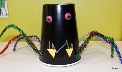 spidercups2+1 15 Kids Halloween Crafts 2