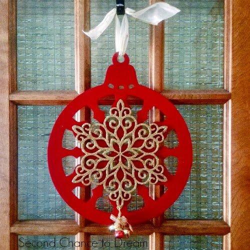 DIY Dollar Store Ornament Wreath