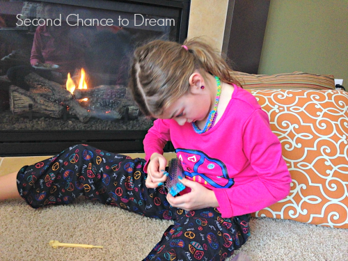 Addy+Working Rainbow Loom Valentine Cards + Free Printable Cards