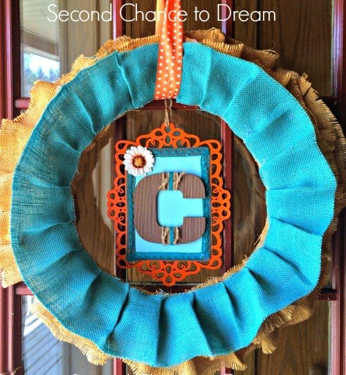 Second Chance to Dream: Monogram Burlap Wreath #diyhomedecor