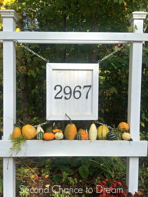 Sign with gourds