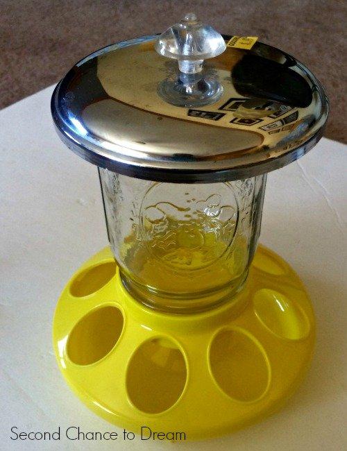 Yellow feeder