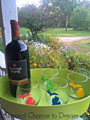 Second Chance to Dream: DIY Michigan Stemless Wine Glasses