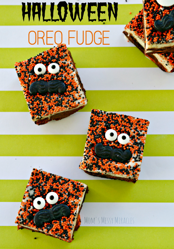 Halloween Oreo Fudge is a perfect treat for a Halloween party!