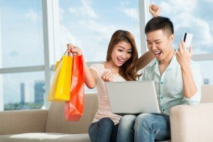 3 Pros & Cons of Online Shopping