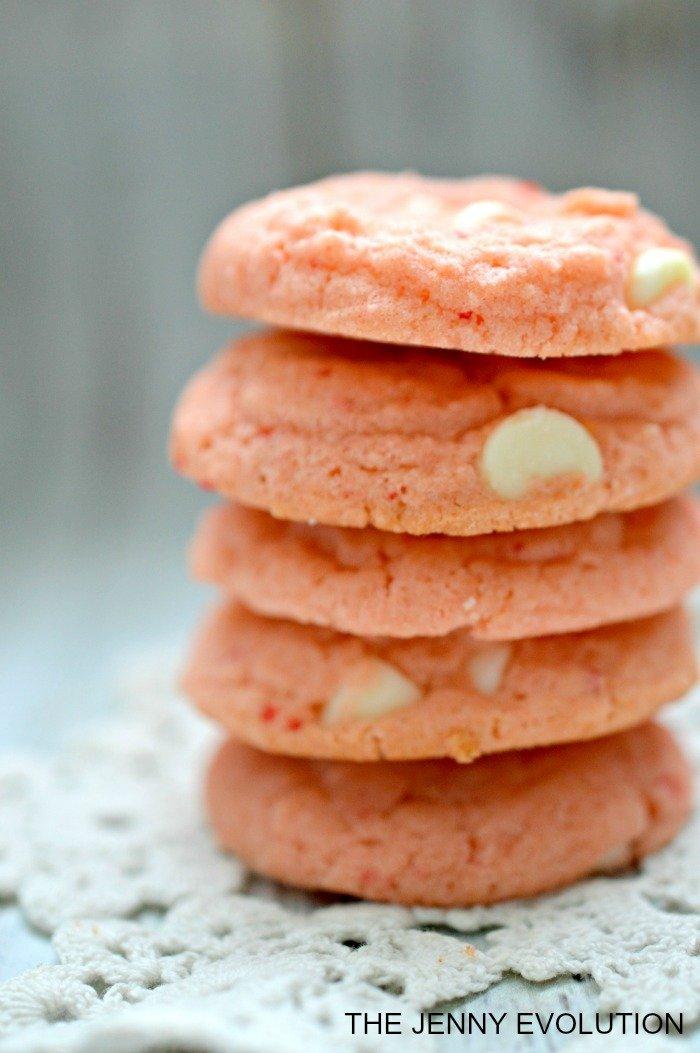 Vanilla Cream Strawberry Cake Mix Cookies