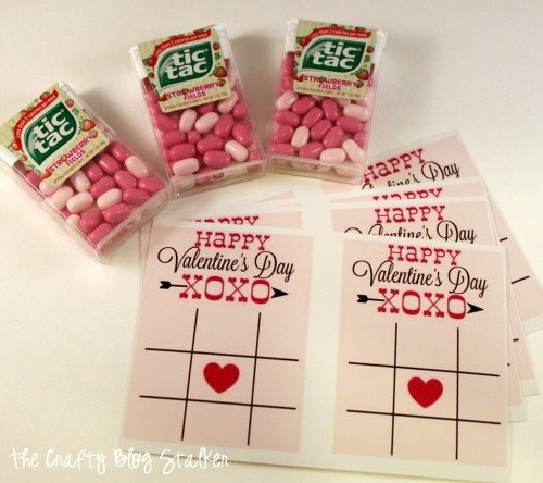 Hand out this cute and fun Valentine Tic Tac Toe to all of your Valentine Sweethearts. All you need is the FREE Printable and Tic Tacs.