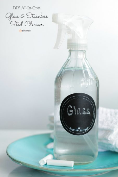 Homemade Glass and Stainless Steel Cleaner! This stuff is amazing. Streak-free and all-natural