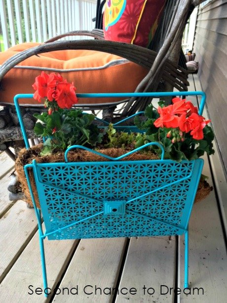 Second Chance to Dream: Magazine Rack turned planter #upcyle