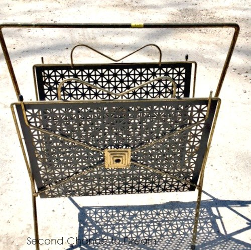 Second Chance to Dream: Magazine Rack turned Planter #upcycled
