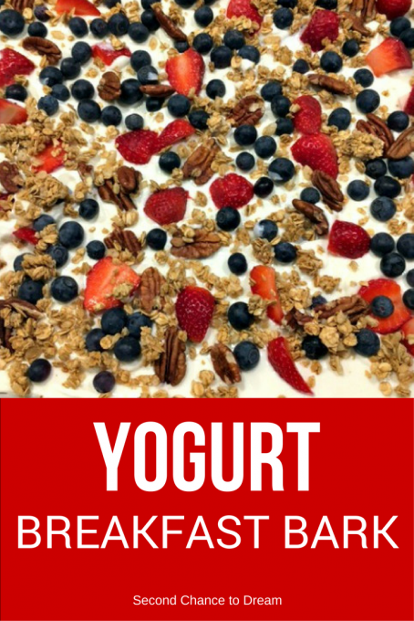 Yogurt Breakfast Bark #breakfast #breakfastbark #grabngo
