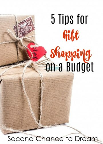 Second Chance to Dream: 5 Tips for Gift Shopping on a Budget #gifts #shopping #budget